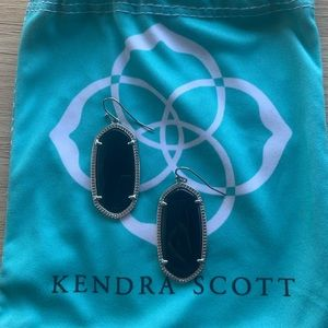 Kendra Scott Elle Black and Silver Earrings